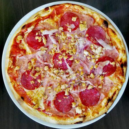 Húsos pizza